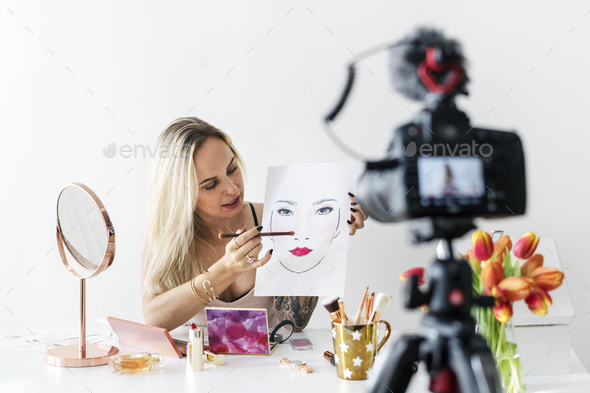 Beauty blogger recoding makeup tutorial - Stock Photo - Images