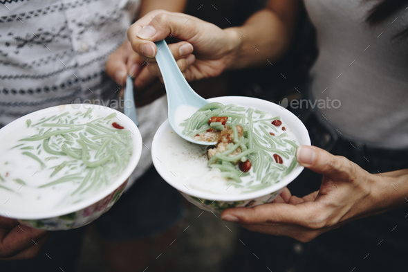 Bowls of fresh cendol dessert - Stock Photo - Images
