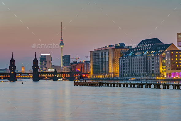 Dusk at the river Spree in Berlin - Stock Photo - Images
