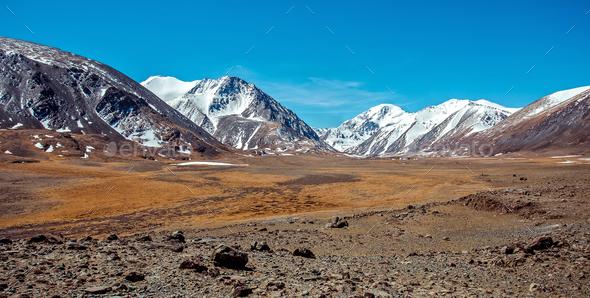 Snowy mountains. Russia, Siberia, Altai mountains, Chuya ridge. - Stock Photo - Images
