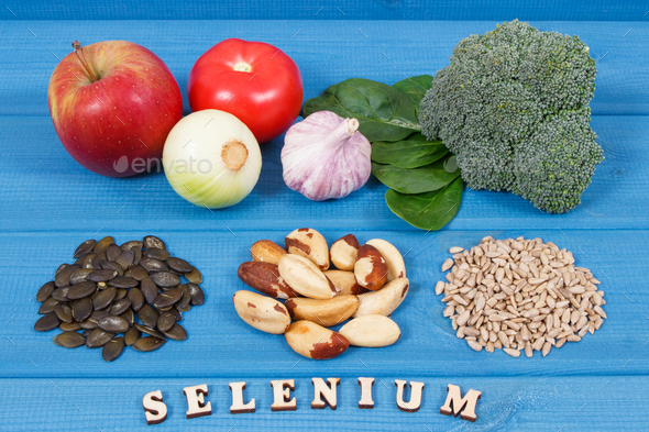 Products and ingredients containing selenium and dietary fiber, healthy nutrition - Stock Photo - Images