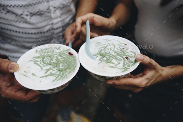 Bowls of fresh cendol dessert - Stock Photo - Images