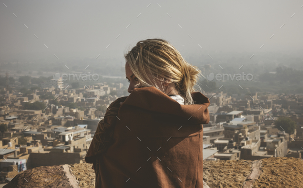 Western woman exploring Jaisalmer Fort, Rajasthan, India - Stock Photo - Images