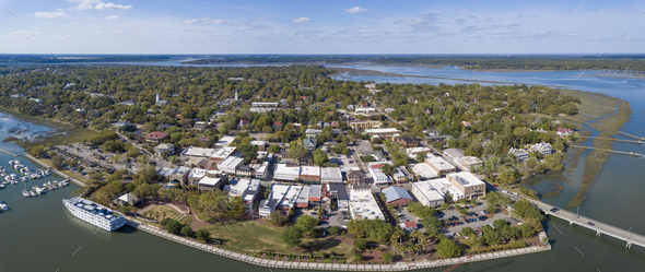 Aerial panorama of Beaufort, South Carolina with cruise ship in - Stock Photo - Images