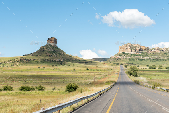 Typical sandstone hill landscape between Fouriesburg and Clarens - Stock Photo - Images