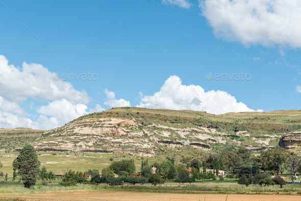 Farm landscape between Fouriesburg and Clarens - Stock Photo - Images