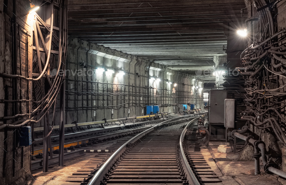 Connection of railway tracks in underground tunnel of the metro
