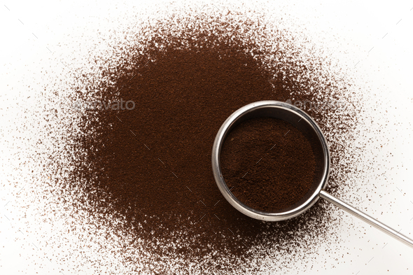 Old metal scoop with ground roasted coffee - Stock Photo - Images