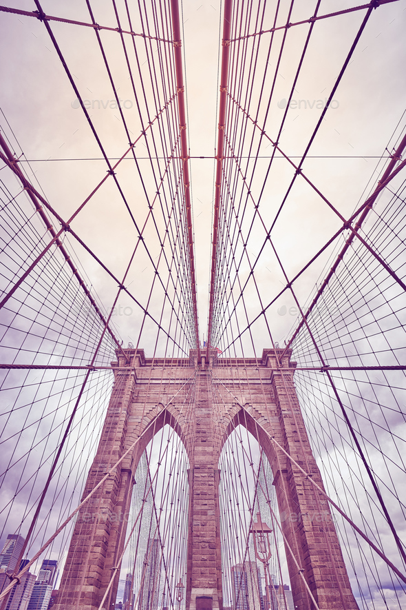 Looking up at the Brooklyn Bridge, New York. - Stock Photo - Images