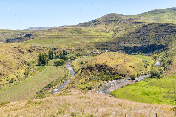 Horseshoe bend in the Bell River near Rhodes - Stock Photo - Images