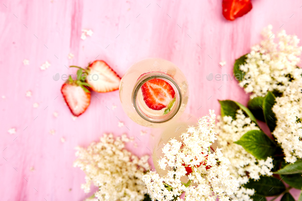 Kombucha tea with elderberry flower and strawberry - Stock Photo - Images