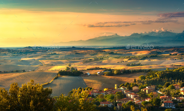 Pomaia, tuscany countryside panorama, rolling hills and fields o - Stock Photo - Images