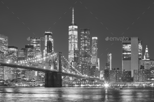 Brooklyn Bridge and Manhattan skyline at night, NYC. - Stock Photo - Images