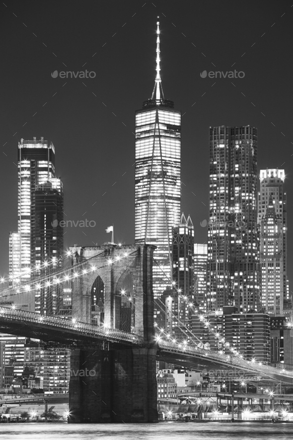 Brooklyn Bridge and Manhattan at night, New York. - Stock Photo - Images