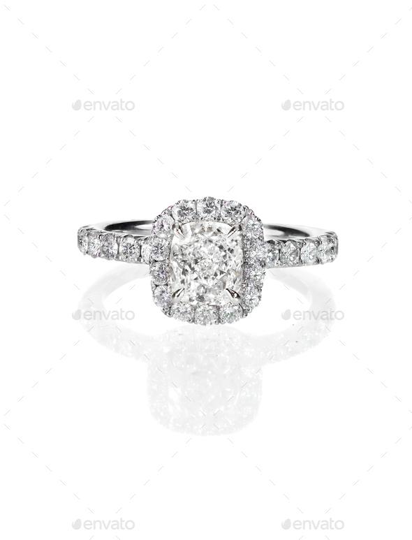 Engagement Wedding Ring Diamond Solitaire Cushion Cut Halo Setting