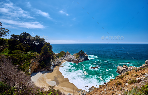 USA Pacific coast beach landscape, California - Stock Photo - Images