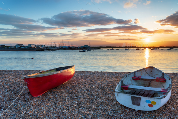 Boats on the mouth of the river Deben - Stock Photo - Images