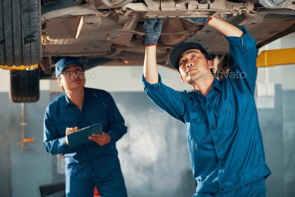 Vehicle inspection procedure - Stock Photo - Images