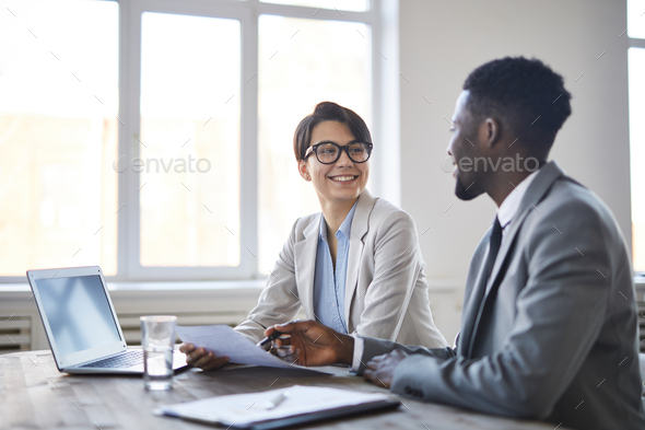 Discussion by workplace - Stock Photo - Images
