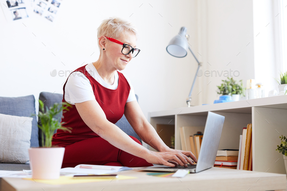 Woman organizing work - Stock Photo - Images