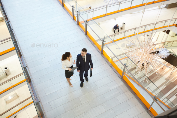 Brokers in the mall - Stock Photo - Images
