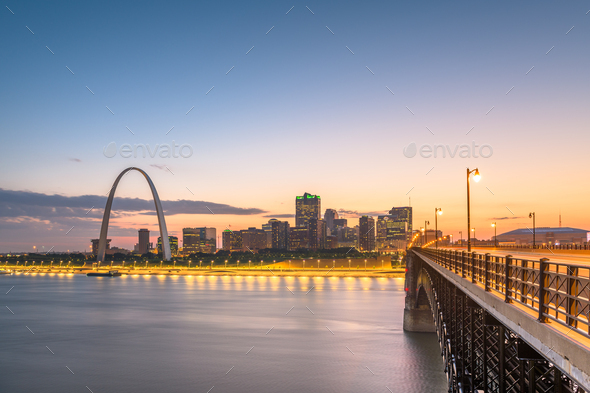 St. Louis, Missouri, USA downtown cityscape on the Mississippi R - Stock Photo - Images