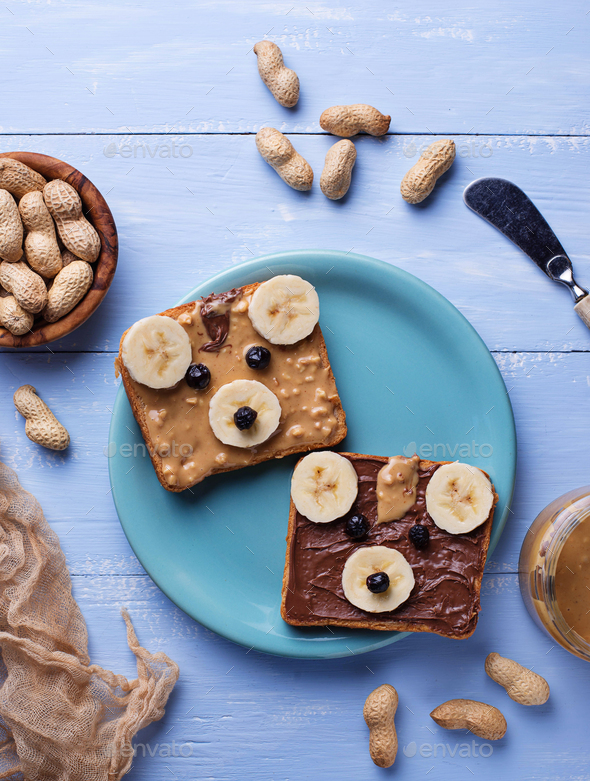 Bear sandwiches with peanut butter - Stock Photo - Images