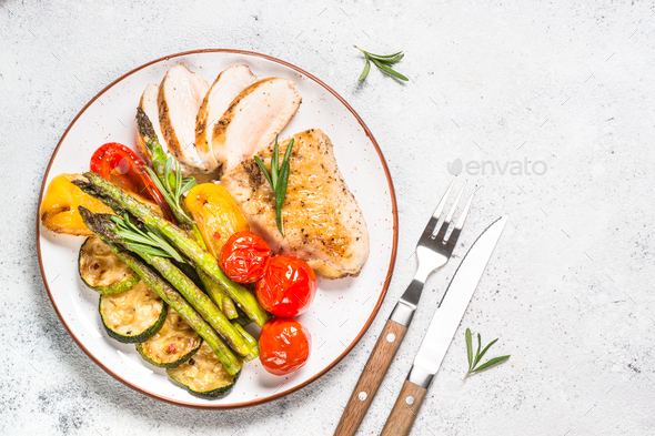 Chicken breast grilled with vegetables - Stock Photo - Images