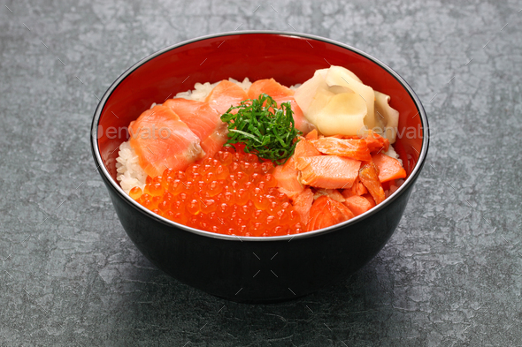 japanese rice bowl topped with salmon & salmon roe - Stock Photo - Images