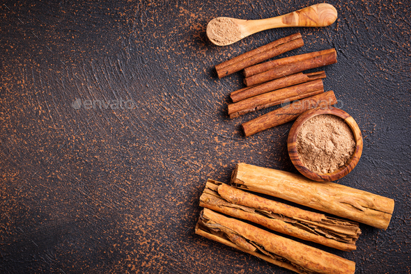 Ceylon cinnamon and cassia, sticks and powder - Stock Photo - Images