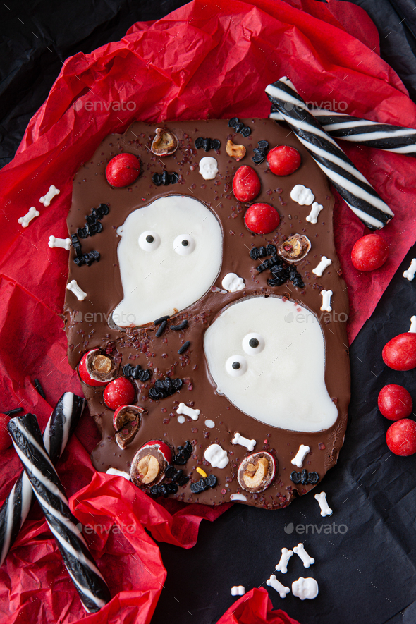 Homemade chocolate bark for Halloween - Stock Photo - Images