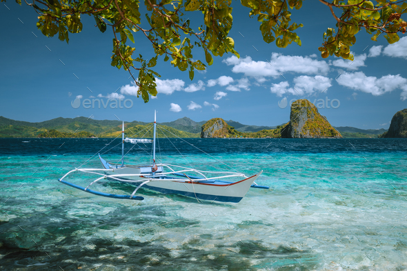 Palawan, Philippines. Island hopping trip in El Nido. Incredible dreamlike exotic scenery with - Stock Photo - Images