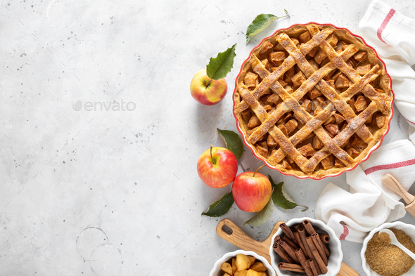 Apple pie. Traditional american apple pie with fresh apples and cinnamon - Stock Photo - Images