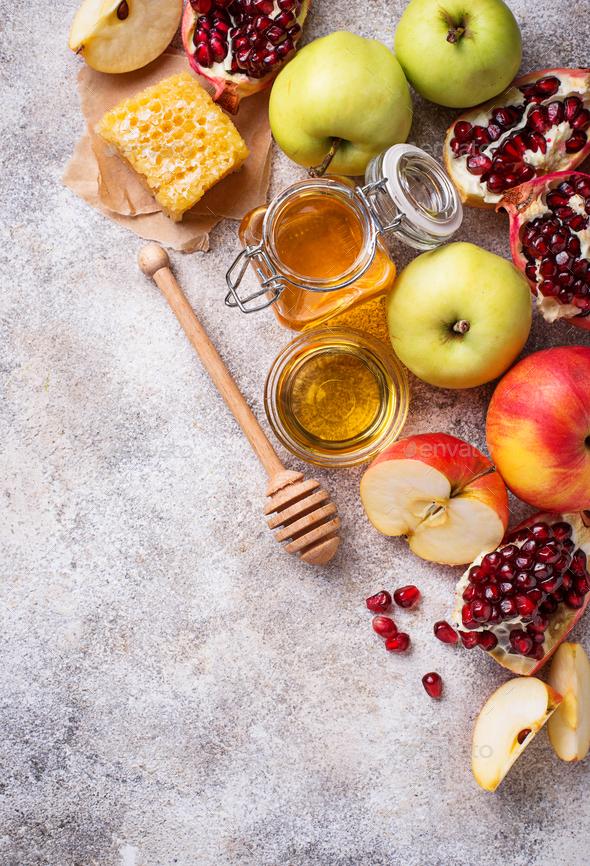 Honey, apple and pomegranate for Rosh Hashana - Stock Photo - Images