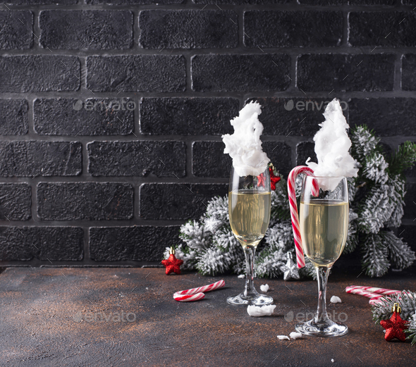 Champagne or prosecco with cotton candy - Stock Photo - Images