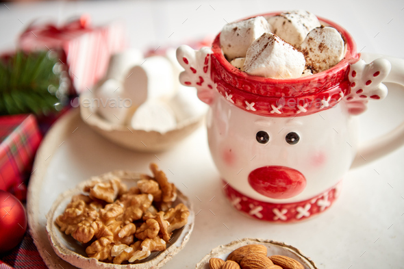 Delicious homemade christmas hot chocolate or cocoa with marshmellows - Stock Photo - Images