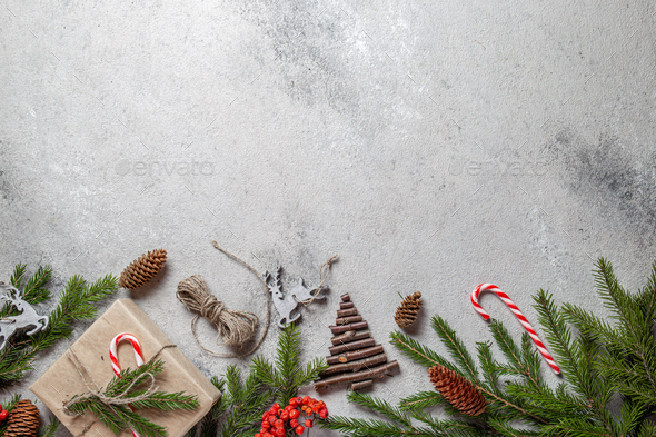 Zero waste Christmas concept. Natural Chirsmas decoration and Hand crafted gifts without plastic. - Stock Photo - Images