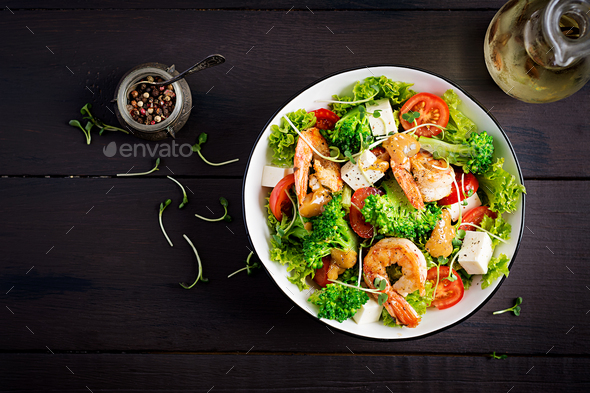 Delicious fresh salad with shrimps / prawns - Stock Photo - Images