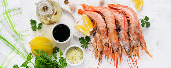 Raw wild Argentinian red shrimps/prawns - Stock Photo - Images