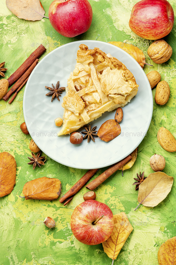 Traditional american apple pie. - Stock Photo - Images