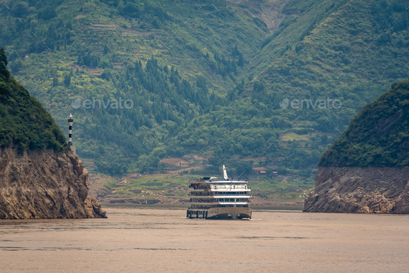 Luxury passenger cruise ship on Yangtze river - Stock Photo - Images