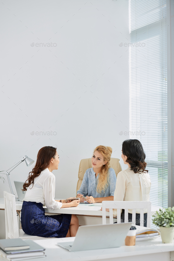 Business discussion - Stock Photo - Images