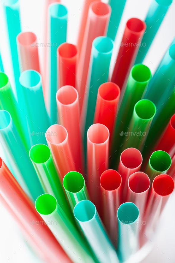 Single use plastic drinking straws - Stock Photo - Images