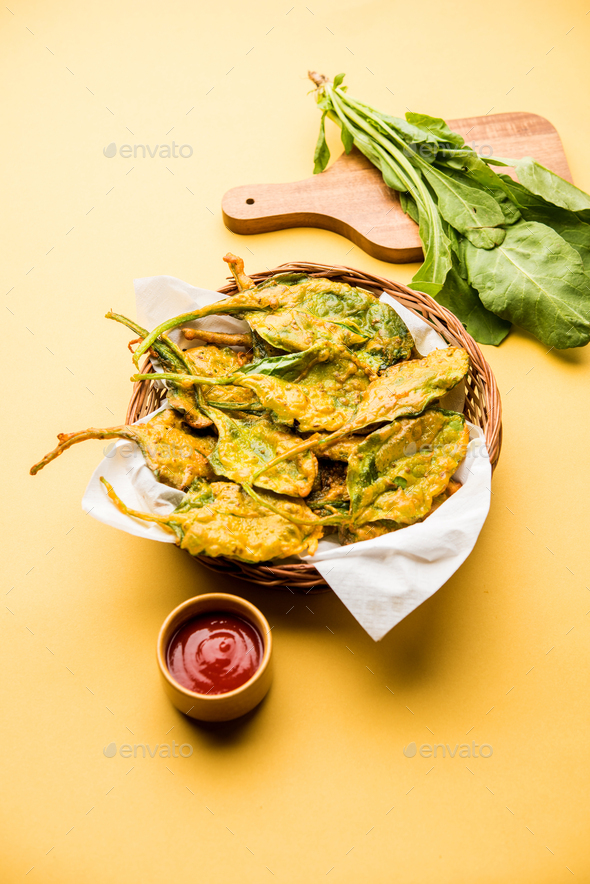 Palak Pakoda - Stock Photo - Images