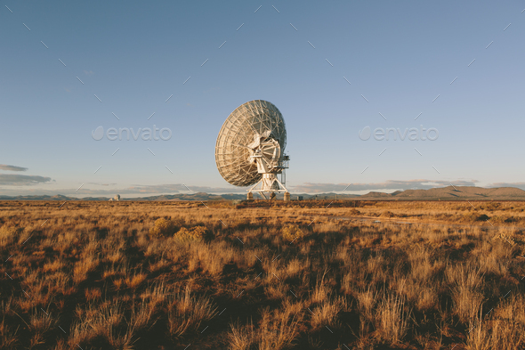 Large radio antennas, also know as The Very Large Array (VLA), used to search for extra-terrestrial - Stock Photo - Images