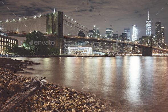Brooklyn Bridge and Manhattan at night, New York City, USA. - Stock Photo - Images
