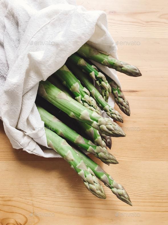 Asparagus market tote