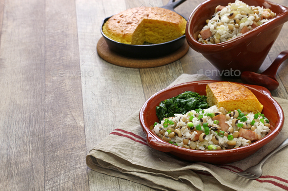 hoppin john: new year traditional food: black eyed pea and rice, cornbread and kale: southern food - Stock Photo - Images