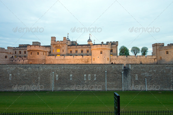 The Tower of London at dawn - Stock Photo - Images