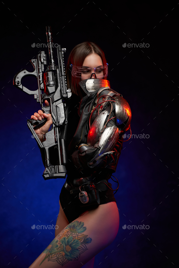 Female sexy soldier Hottest Weapon: